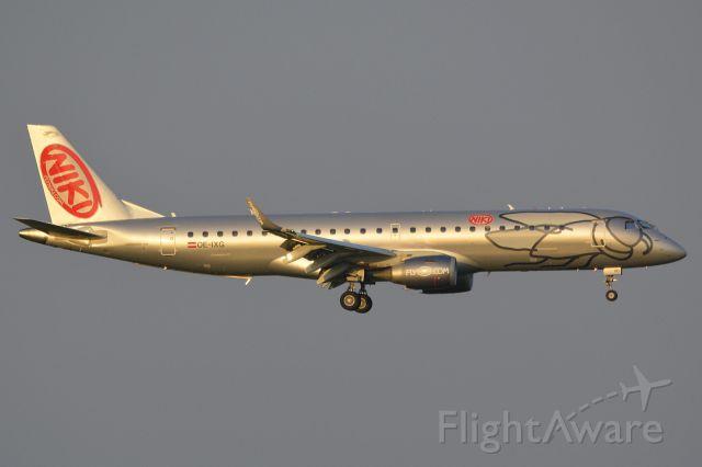 Embraer ERJ-190 (OE-IXG)
