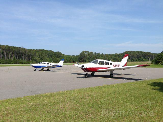 Piper Cherokee (N8113R)