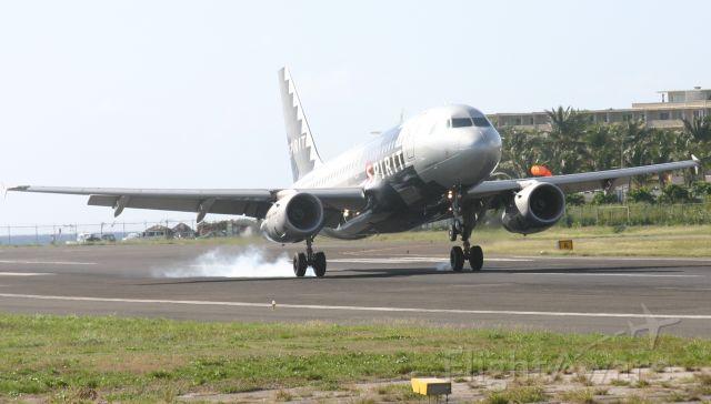 Airbus A319 (N528NK)