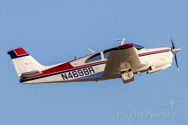 Beechcraft Bonanza (33) (N4698R)