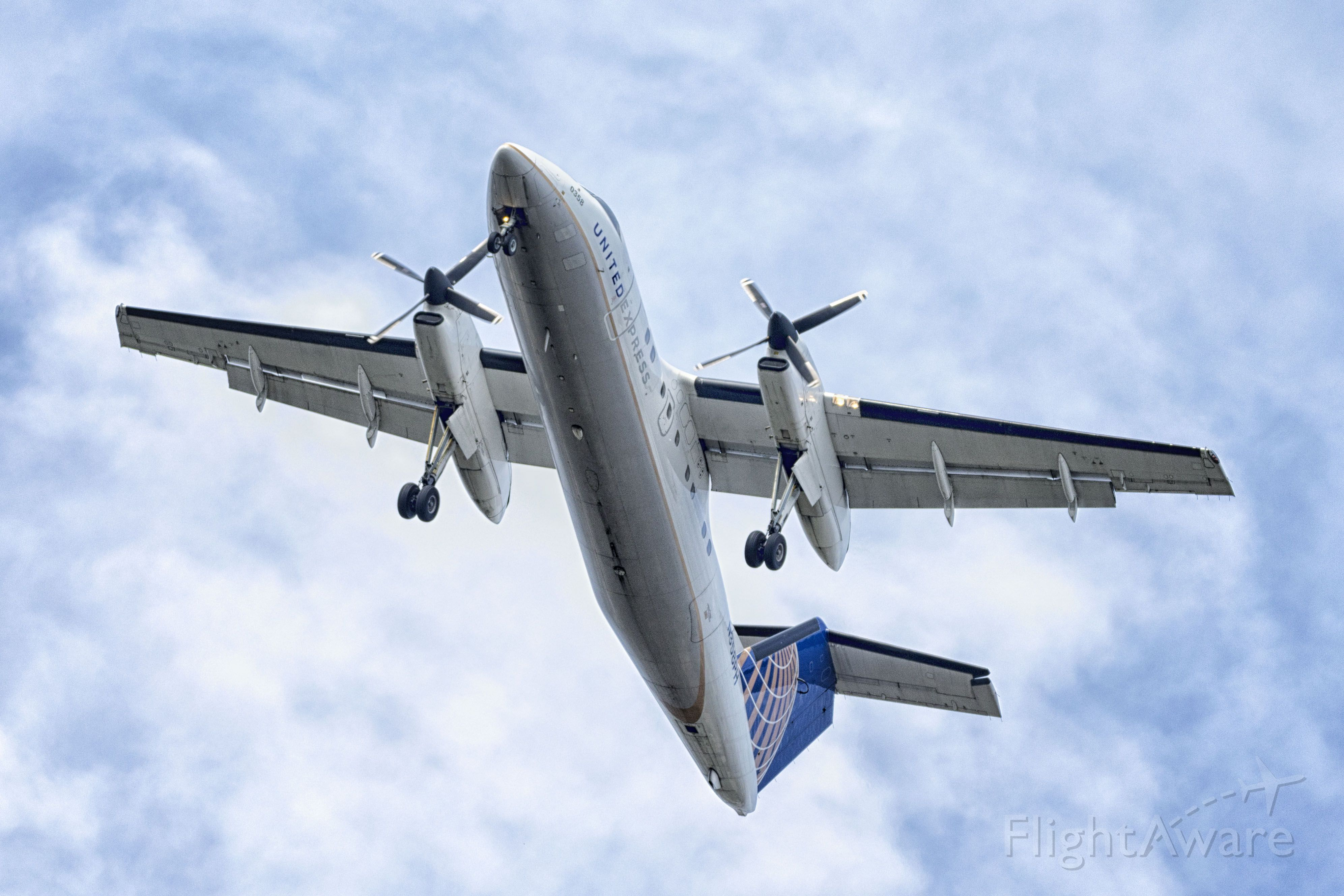 de Havilland Dash 8-100 (N358PH)