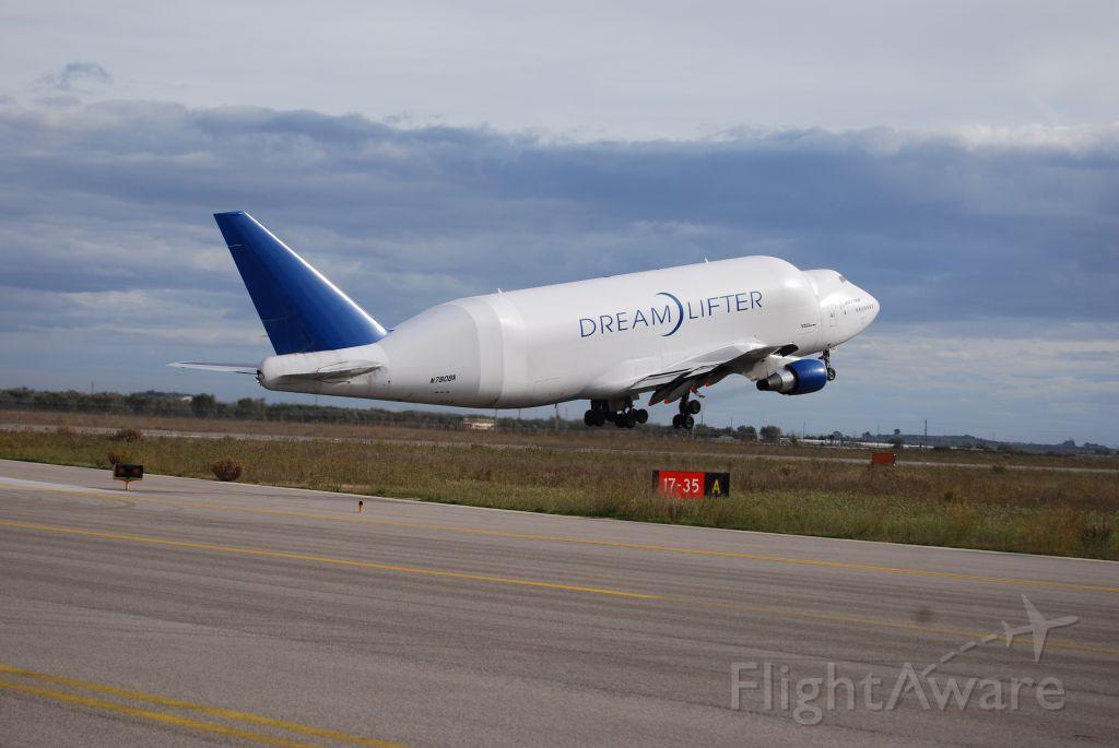 Boeing 747-400 (N780BA) - Take-off frm Grottaglie ( Taranto ), Italy  on 05 Dic 2011 at 11.41 UTC