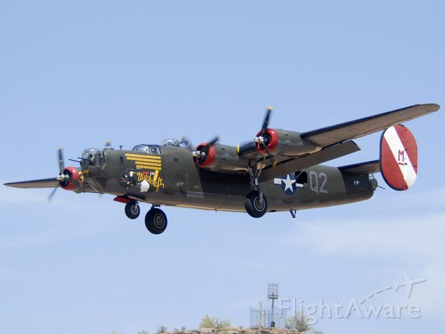 N224J — - Collings Foundation Consolidated B-24J Liberator N224J Witchcraft on approach to land on Runway 25 Left