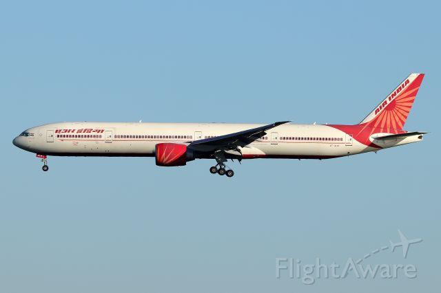 BOEING 777-300 (VT-ALM) - 'Air India 101' arriving from Delhi Indira Gandhi International Airportbr /(6/23)