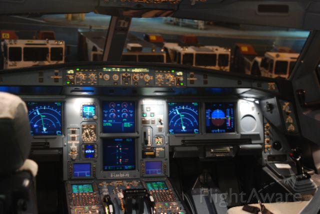 Airbus A330-300 —