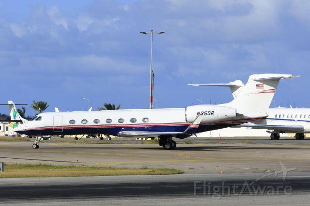 Gulfstream Aerospace Gulfstream V (N35GR) - N35GR taxing for take off