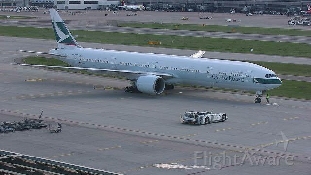 BOEING 777-300ER (B-KPF)