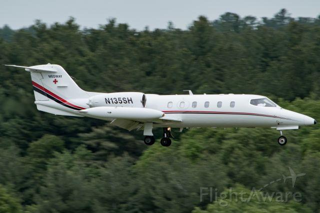 Learjet 35 (N135SH)