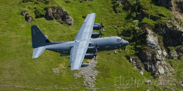 STRIX67 — - USAF Hercules  STRIX67 Low Level Through the Mach Loop (Cad West)