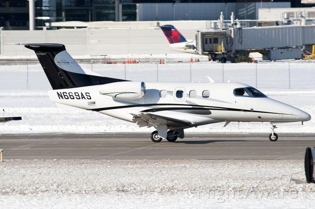 Embraer Phenom 100 (N669AS)