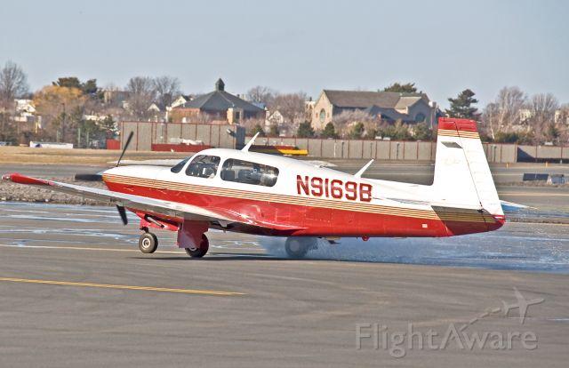 Mooney M-20 (N9169B) - Water Taxi ?