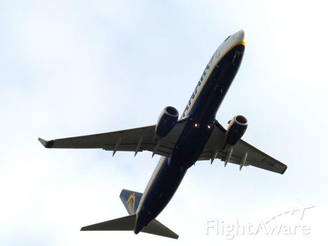 Boeing 737-800 (EI-DHR)