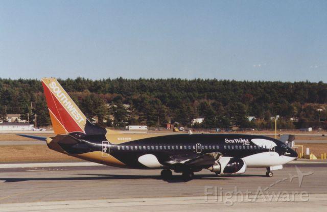 BOEING 737-300 (N334SW)