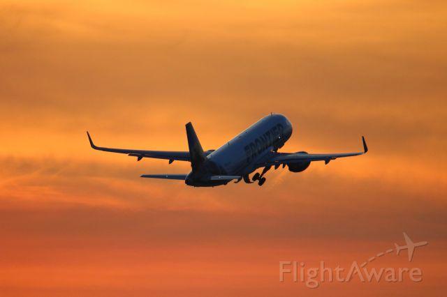 Airbus A320 (N235FR)