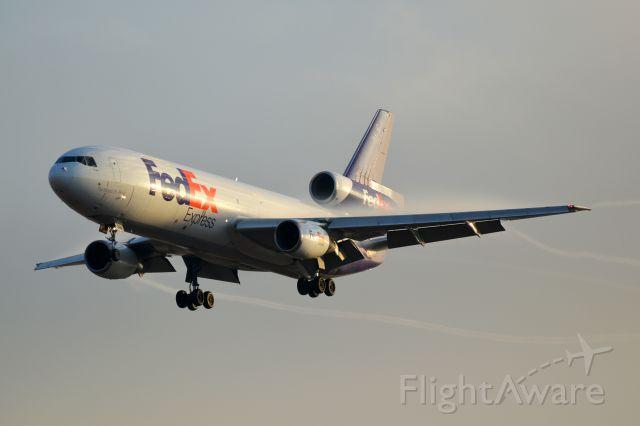 McDonnell Douglas DC-10 (N394FE)