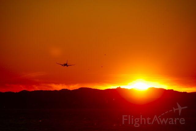 — — - Turkish Airlines arrive a Aéroport Nice Côte dAzur (Nöel 2009)