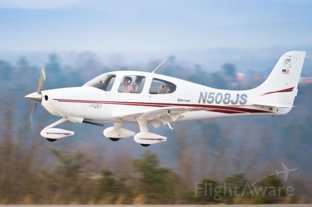 Cirrus SR-20 (N508JS) - Arriving Hickory on 24 - 3.Mar.10