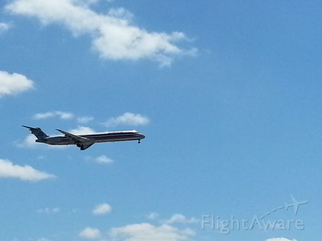 McDonnell Douglas MD-83 (N9627R)