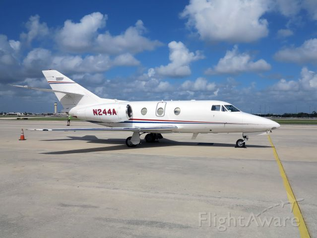 Dassault Falcon 10 (N244A) - A very nice, fast aircraft.