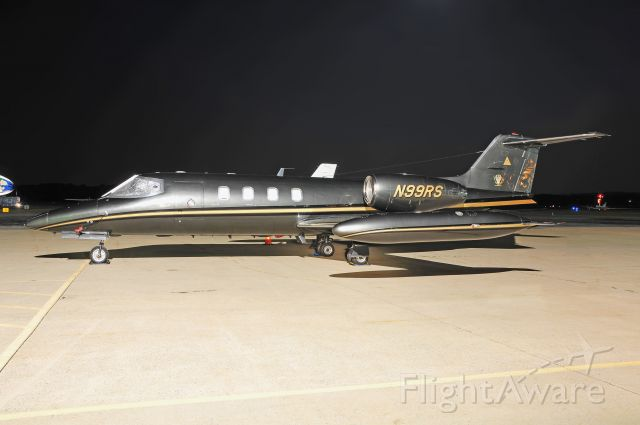 Learjet 35 (N99RS) - Seen at KFDK on 7/27/2010.      http://discussions.flightaware.com/profile.php?mode=viewprofile&u=269247