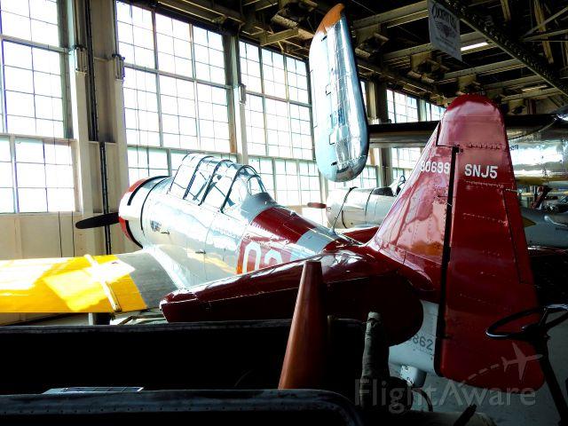 North American T-6 Texan (N26862)