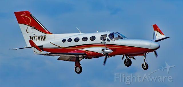 Cessna Chancellor (N174RF) - N174RF 1978 Cessna 414A Chancellor s/n 414A0217 - North Las Vegas Airport  KVGTbr /Photo: Tomás Del Corobr /February 11, 2021