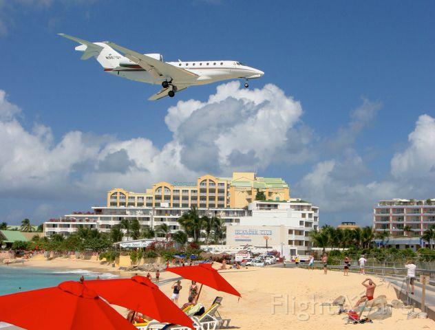 Cessna Citation X (N967QS) - Landing in St. Martin, DWI