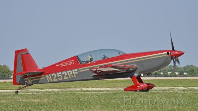 EXTRA EA-300 (N252RF) - Airventure 2019