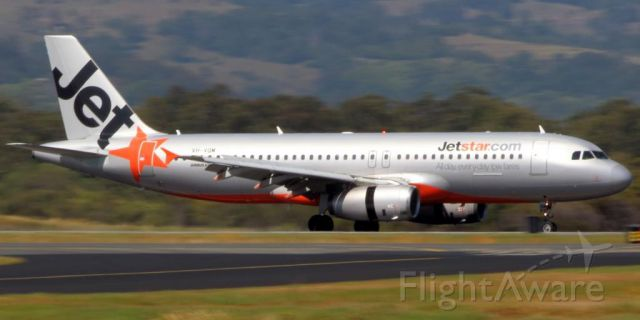 Airbus A320 (VH-VQM) - 27 Oct 2014br /Arriving from Sydney (YSSY)