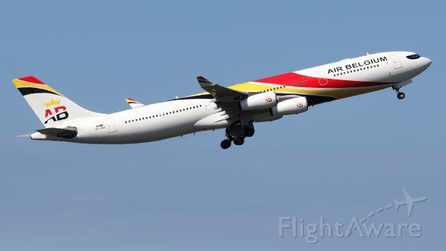 Airbus A340-300 (OO-ABD)