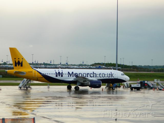 Airbus A320 (G-OZBW)
