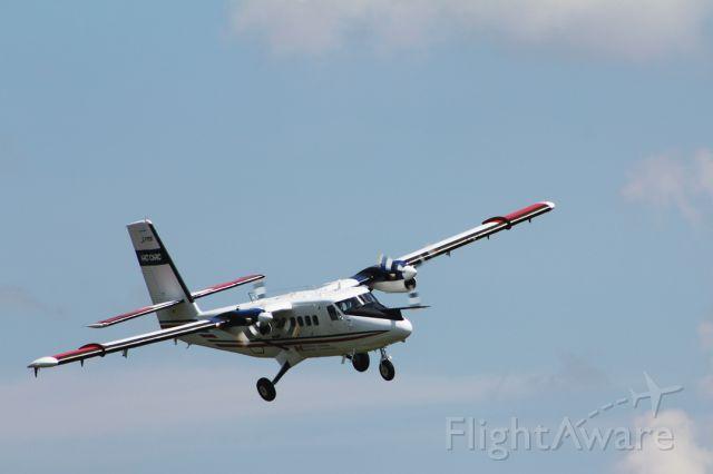 De Havilland Canada Twin Otter (C-FPOK) - Hard right on short final to runway 25 2010:07:16. 13:16