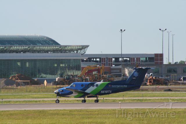 Beechcraft Super King Air 200 (N610TA) - Medevac air ambulance. Departing 26L.