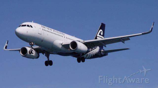 Airbus A320 (ZK-OXD)