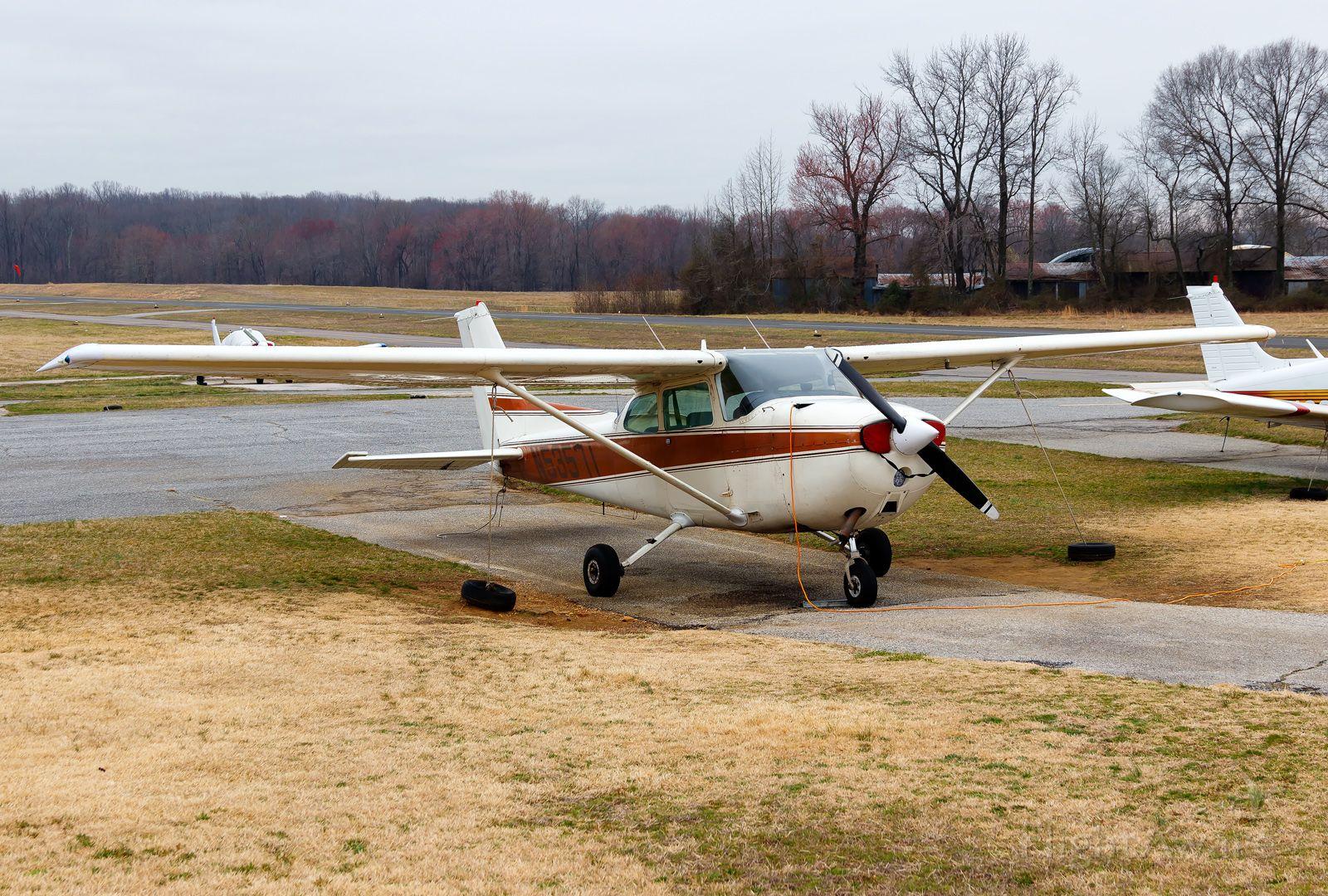 Cessna Skyhawk (N53571)