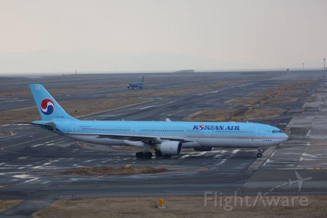 Airbus A330-300 (HL7720)