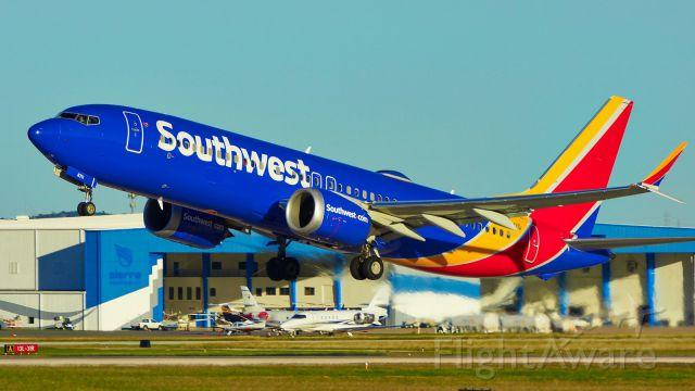 Boeing 737 MAX 8 (N8711Q) - 31L departure.