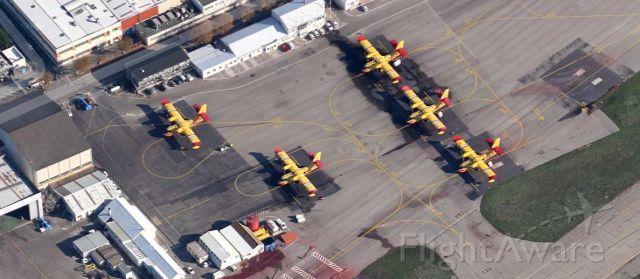 Canadair CL-415 SuperScooper — - Les Canadair CL-415 SuperScooper