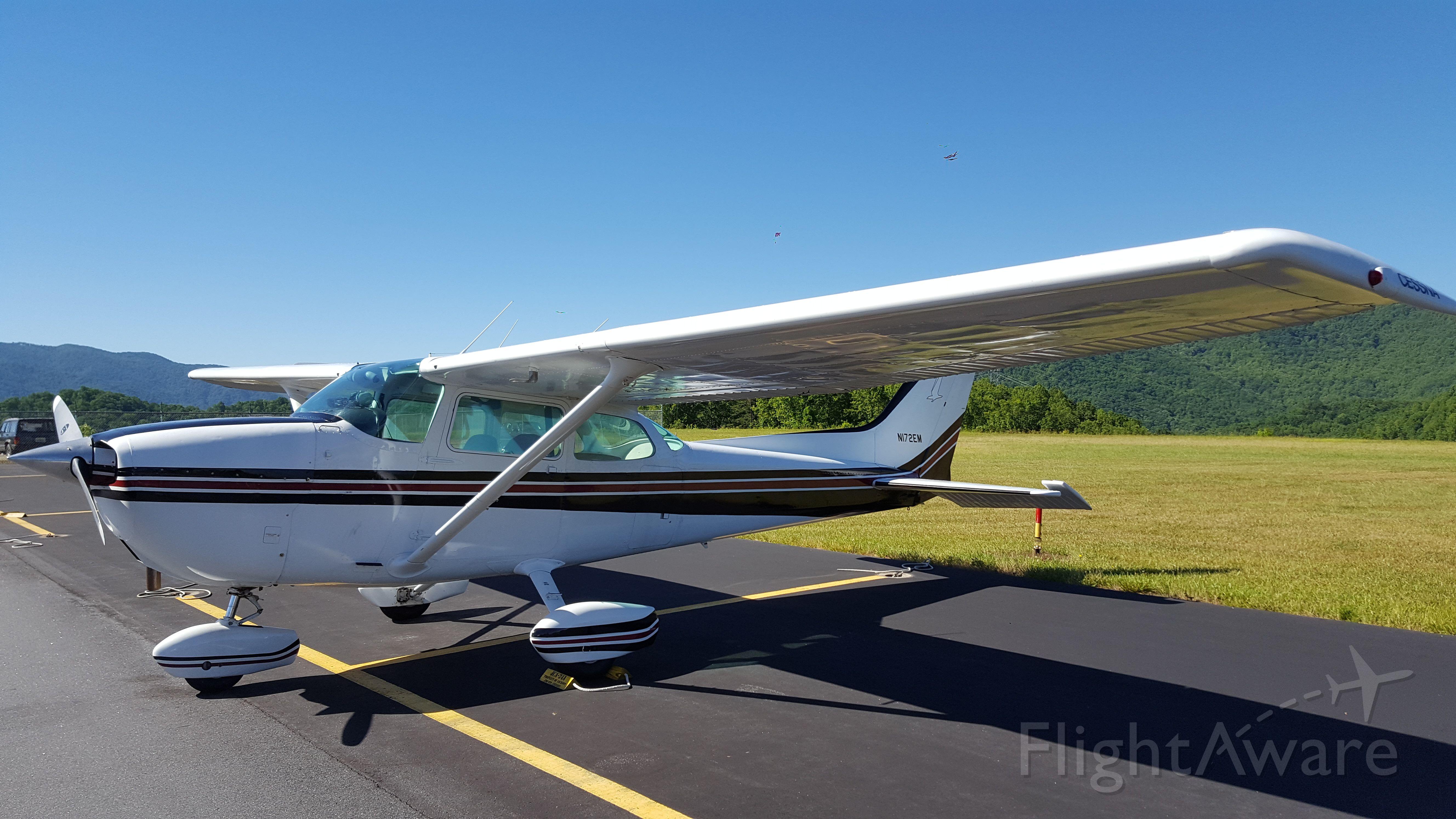 Cessna Skyhawk (N172EM)