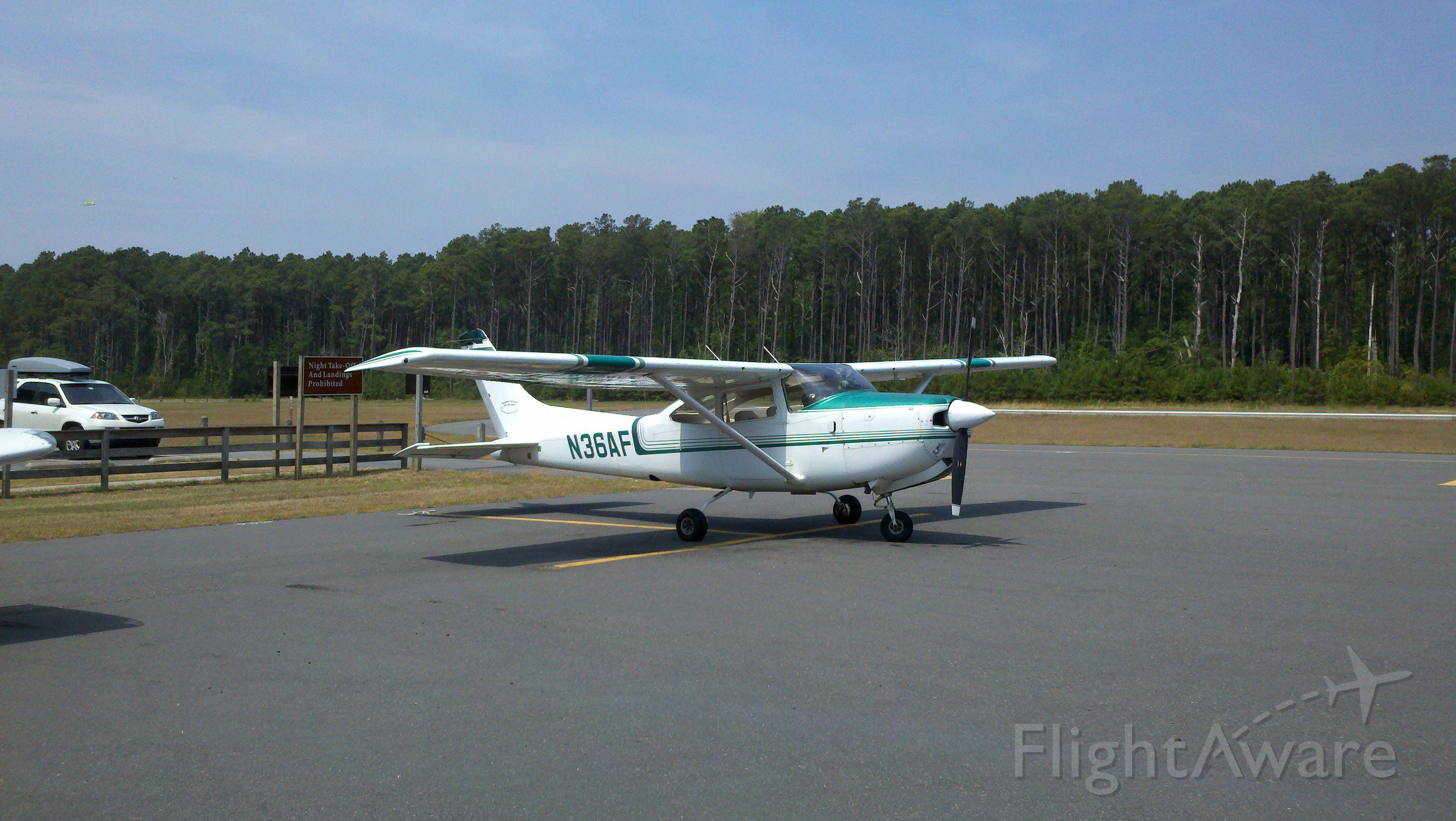 Cessna Skylane (N36AF)