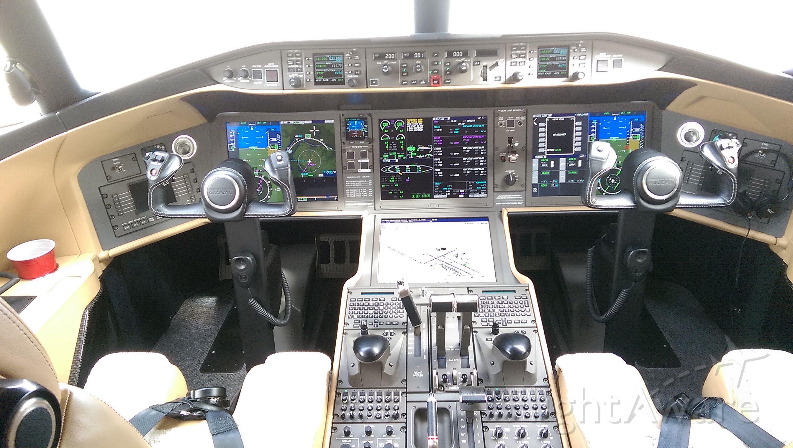 Bombardier Global Express (N10HD) - SJE10 sitting on the tarmac at KSTL