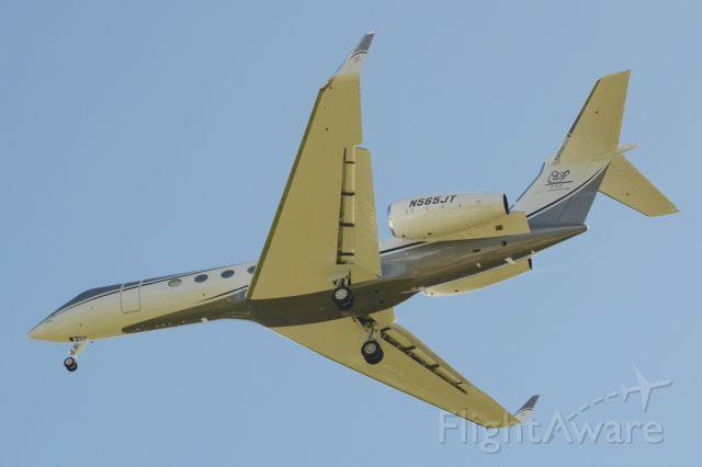 Gulfstream Aerospace Gulfstream V (N565JT) - Gulfstream V on short final to RW11 at TQPF