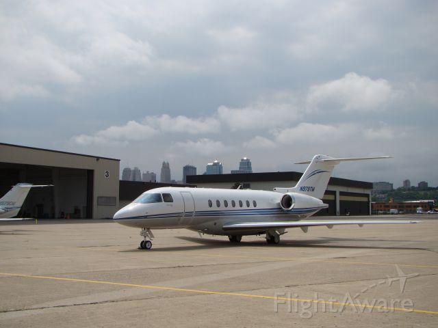 Hawker Beechcraft 4000 (N979TM) - See Down Town Kansas City.