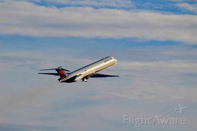 McDonnell Douglas MD-88 (N992DL)