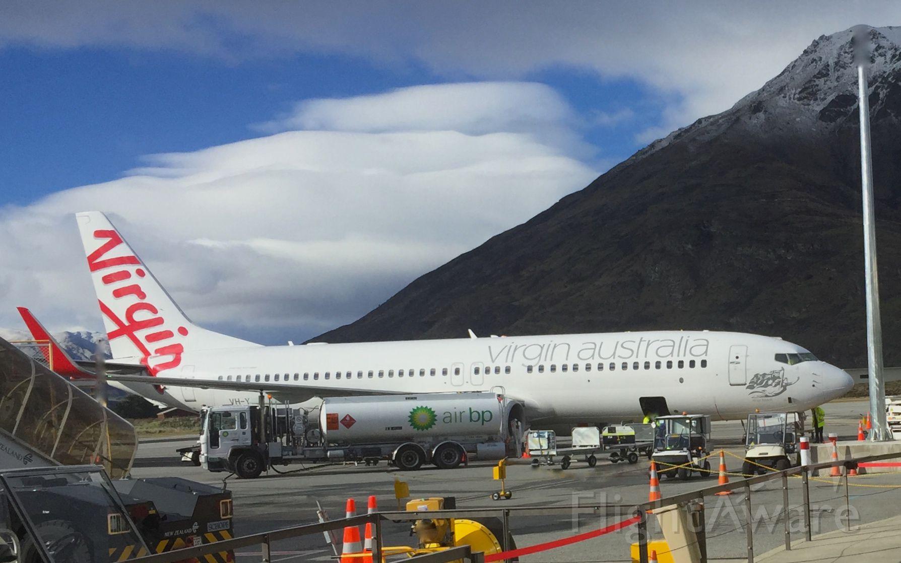 Boeing 737-800 (VH-YIJ)