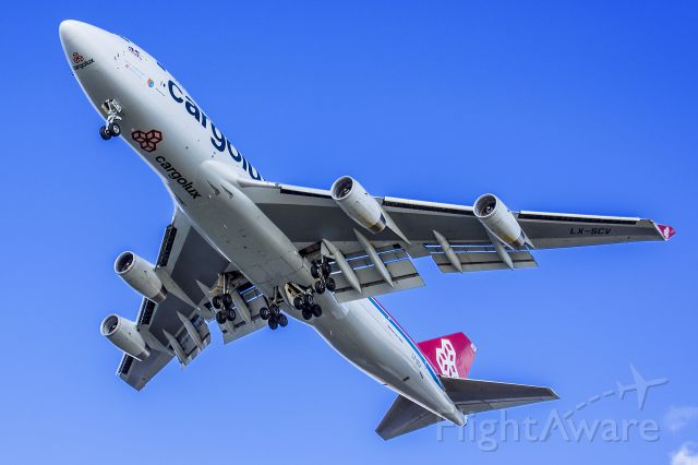 Boeing 747-400 (LX-SCV)
