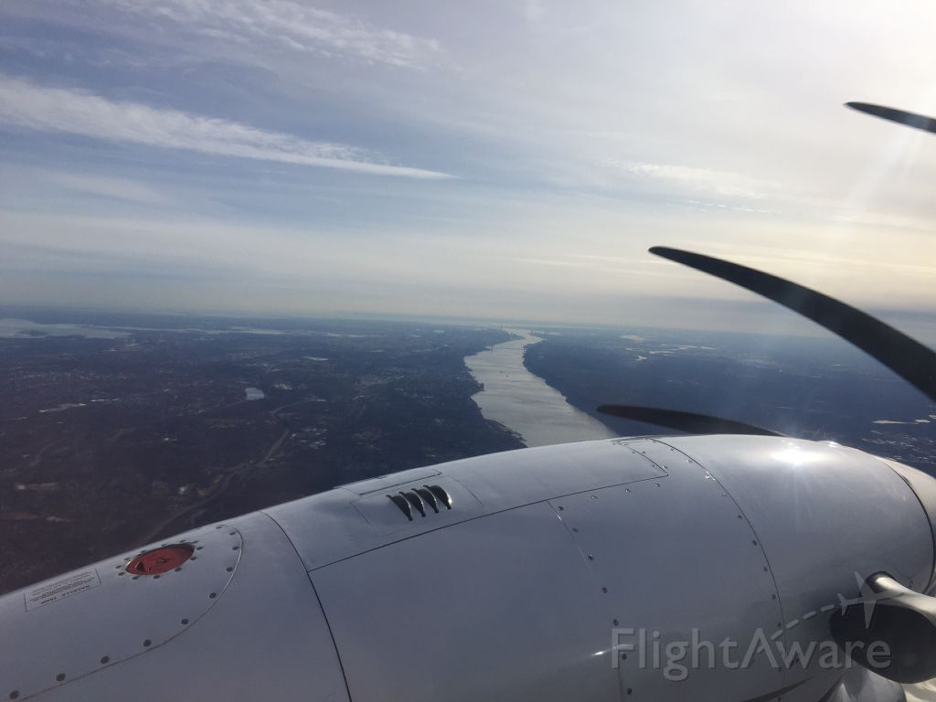Beechcraft King Air 90 (N314AB) - North end of the Hudson at 7000