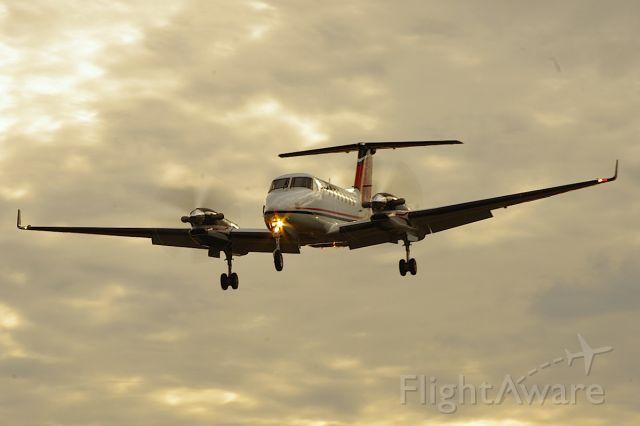 Beechcraft Super King Air 350 (N708RK) - Landing Runway 5.