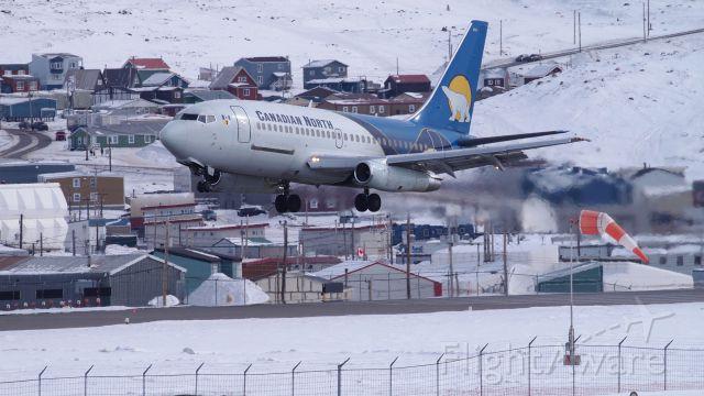 Boeing 737-200 (C-GSPW) - Landing at the Iqaluit airport.