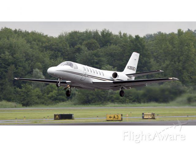 Cessna Citation V (N365EA) - Take off runway 26. CFM (Corporate Flight Management) has this Citation V jets based in the New York metropolitan area available for charter KDXR KHPN KTEB KBRD KHVN.